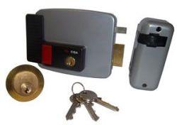 Cisa Electronic Rim Lock Rh In W cyl Wood