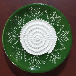 Green & White Arrow African Grater Plate