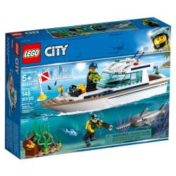 Lego City Diving Yacht - Slightly Damaged Box