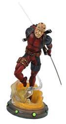 Diamond Select Toys Marvel Gallery: Unmasked Deadpool Pvc Figure