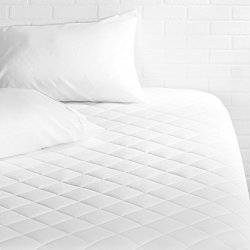 "AmazonBasics Hypoallergenic Quilted Mattress Topper 18"" Deep Queen"